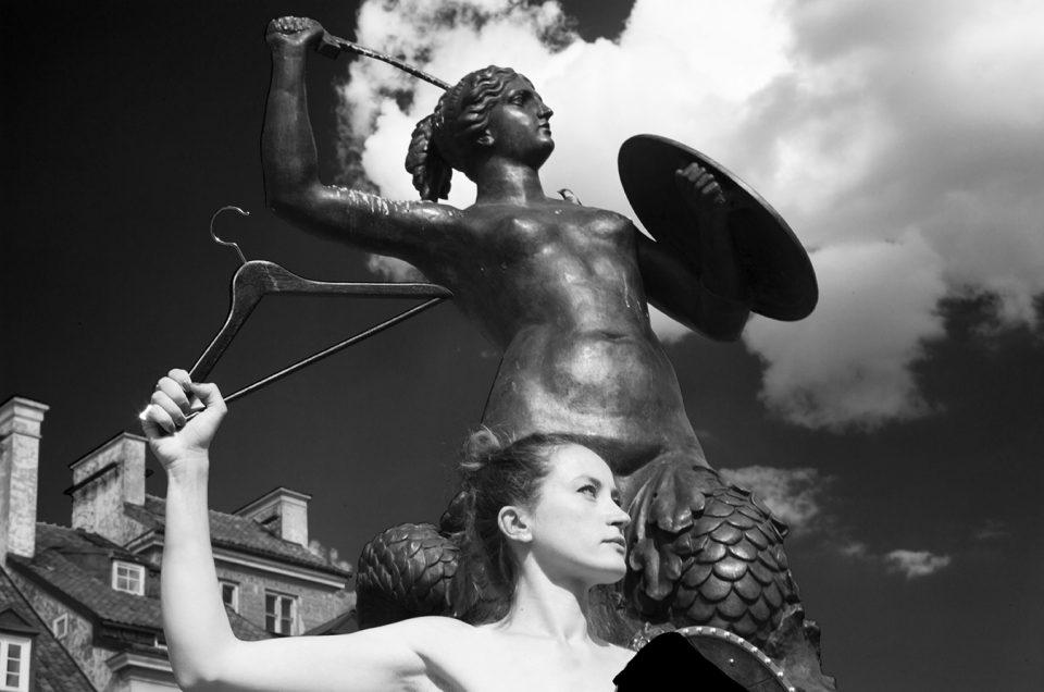 'Mermaid of Warsaw' - Performance